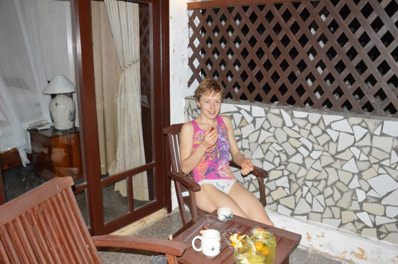 В номере на балконе